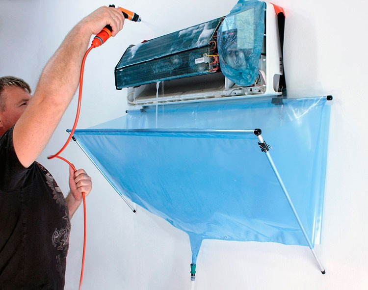 AIR CONDITIONING CLEANING